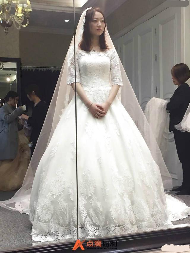 新娘去拍婚纱照,结果跟摄影师好上了,期间拍了不少照片。结果他老公看到了